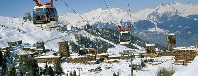 Le village de la Plagne en hiver en Savoie