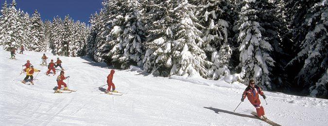 Ski de piste à La Plagne dans les Alpes françaises