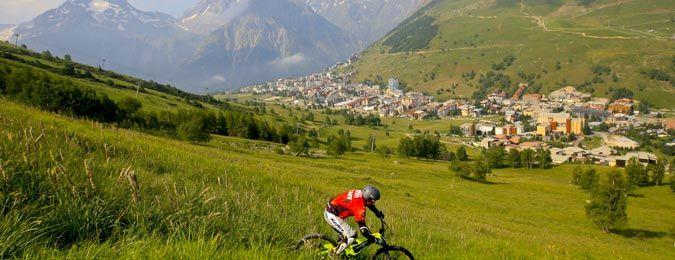 La station des Deux Alpes en été