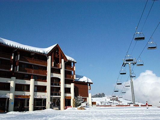 Résidence Le Cervin - Hébergement + Remontées mécaniques + Matériel de ski - Offre à Saisir